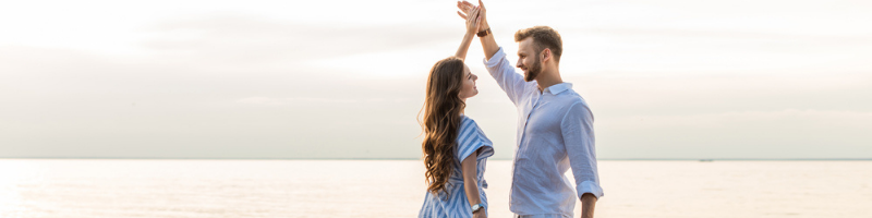 10 Romantic Love Poems For The New Love In Your Life dance with me